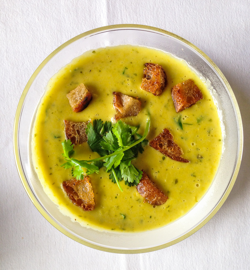 Sweet corn, Ginger & Saffron soup with croutons
