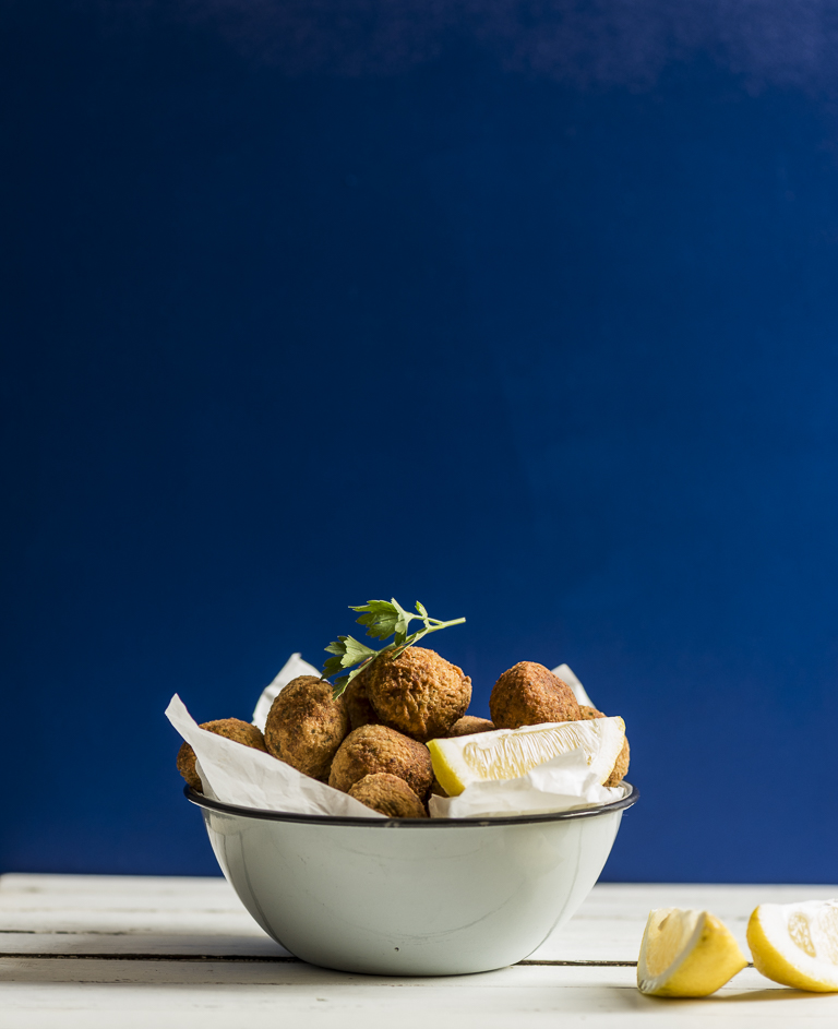 Falafel with Spicy Tahini Yoghurt l heinstirred.com