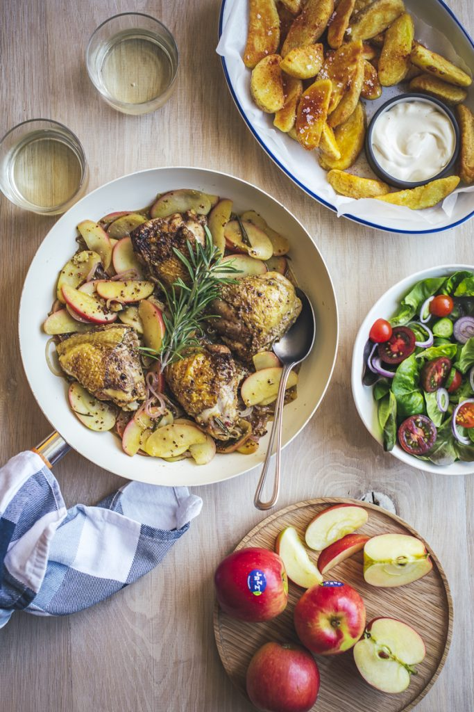 Roasted Chicken with JAZZ™ Apples and Mustard